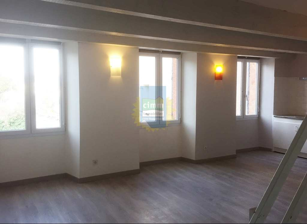 location appartement 4 pièces PEYRUIS 04310