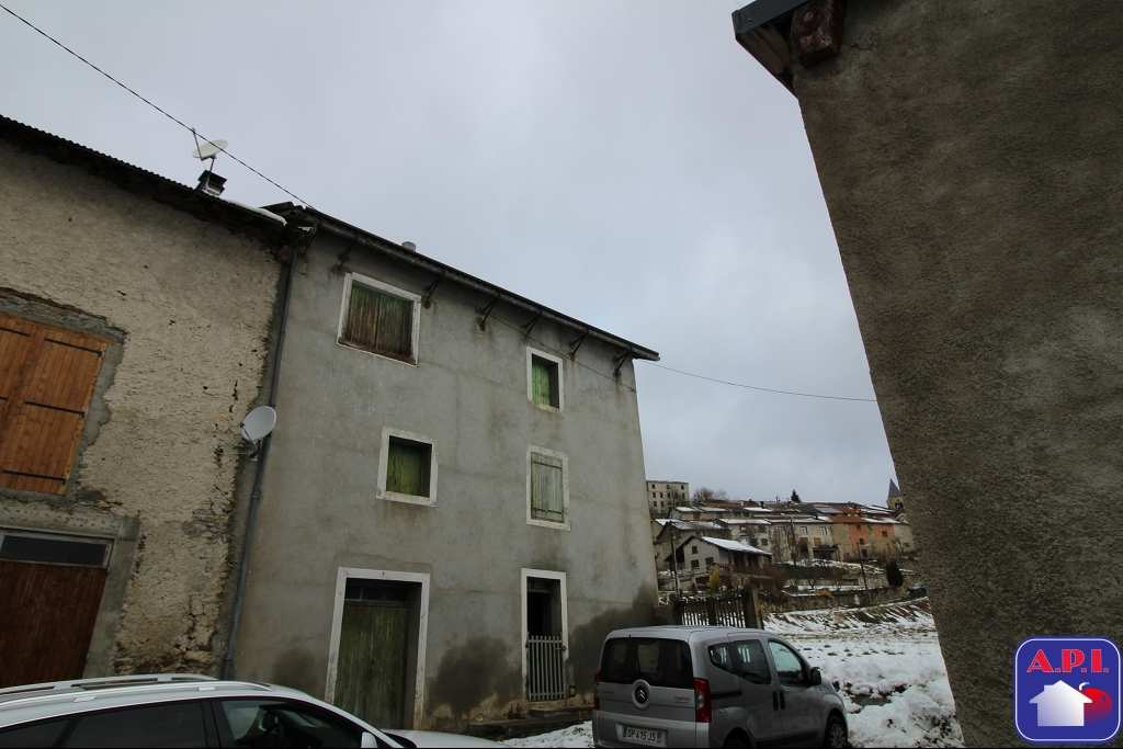 vente maison/villa 5 pièces AX LES THERMES 09110