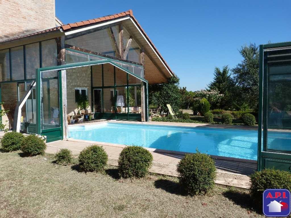 Vente Maison 7 chambres - 8 pièces - 337 m² à PAMIERS (09100)