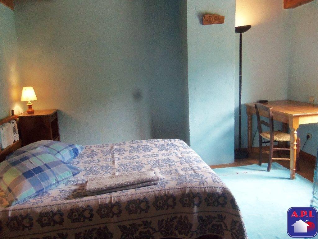 IDEAL ETUDIANTS    Découvrez à 5 minute de Foix  dans un corps de ferme aménagé ce studio meublé de 18m² environ avec cuisine et salle d'eau séparée. loyer 410€ CC . ARIEGE PYRENEES IMMOBILIER (API) - MAUSSE Blandine - 05 61 60 78 33 - Plus d'informations sur www.pyrenees-immobilier.com (réf. 090046998) ARIEGE PYRENEES IMMOBILIER (API) - BONZOM Joséphine - 05 61 04 82 65 - Plus d'informations sur www.pyrenees-immobilier.com (réf. 090046998)