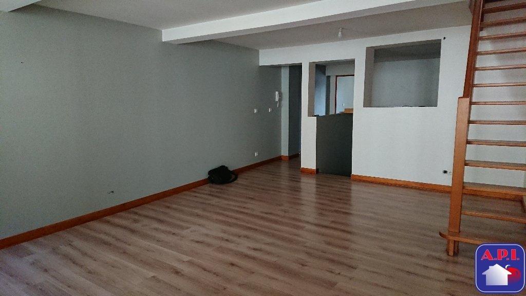 location appartement 4 pièces TARASCON SUR ARIEGE 09400
