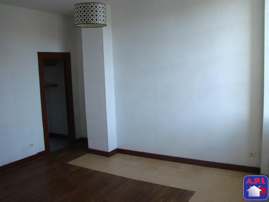 location appartement 3 pièces SAINT GIRONS 09200