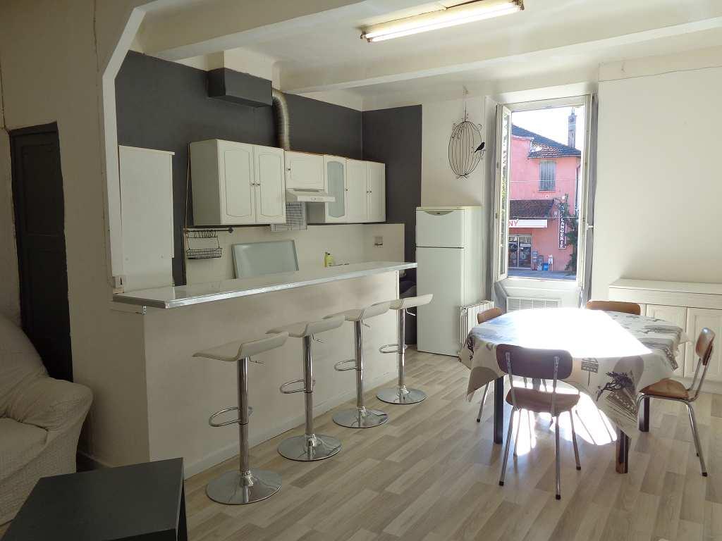 location appartement 3 pièces PEYROLLES EN PROVENCE 13860