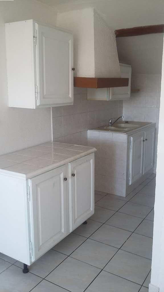 location appartement 2 pièces PEYROLLES EN PROVENCE 13860