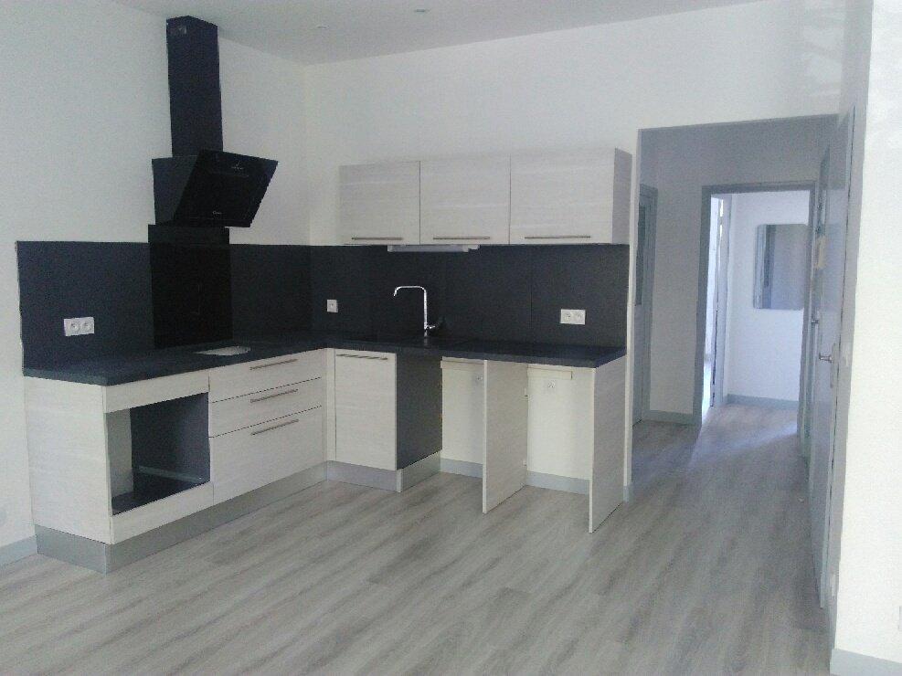 location appartement 3 pièces PERTUIS 84120