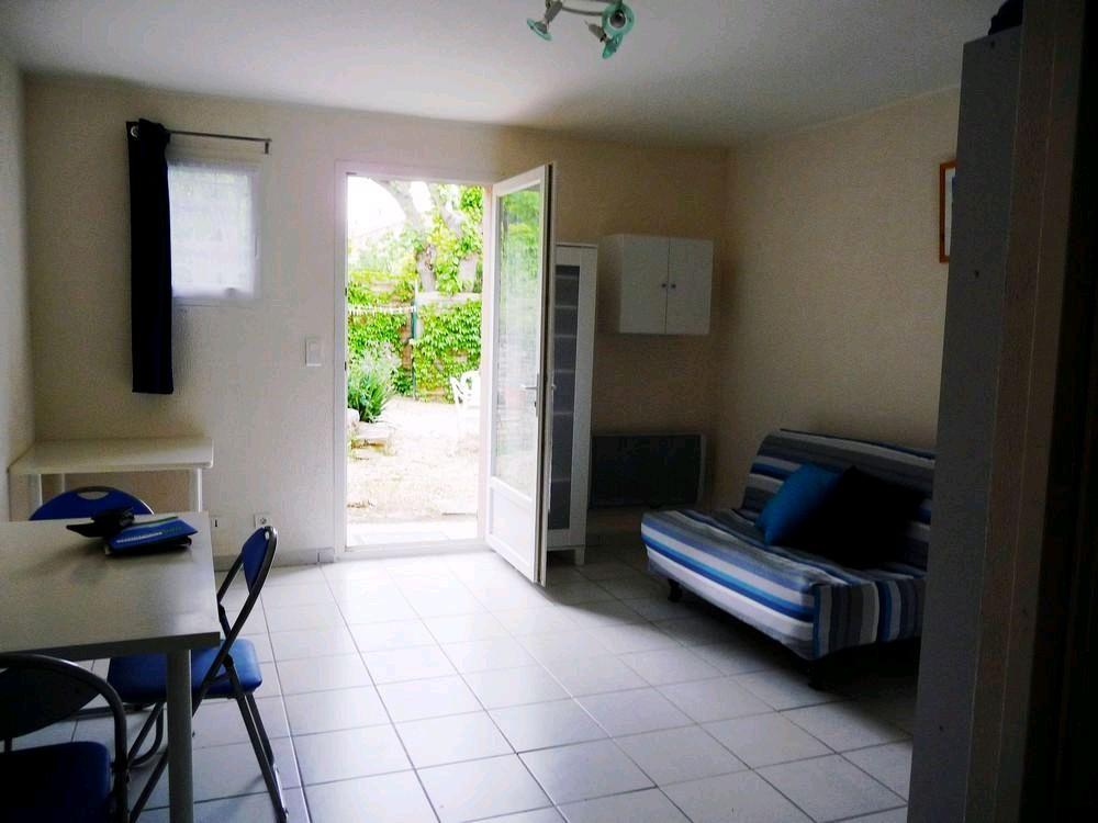 location appartement 1 pièces PEYROLLES-EN-PROVENCE 13860