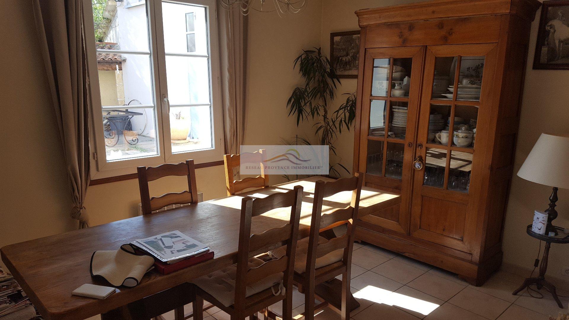 vente maison/villa 5 pièces CABANNES 13440