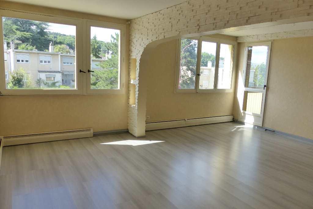 location appartement 4 pièces CHENOVE 21300