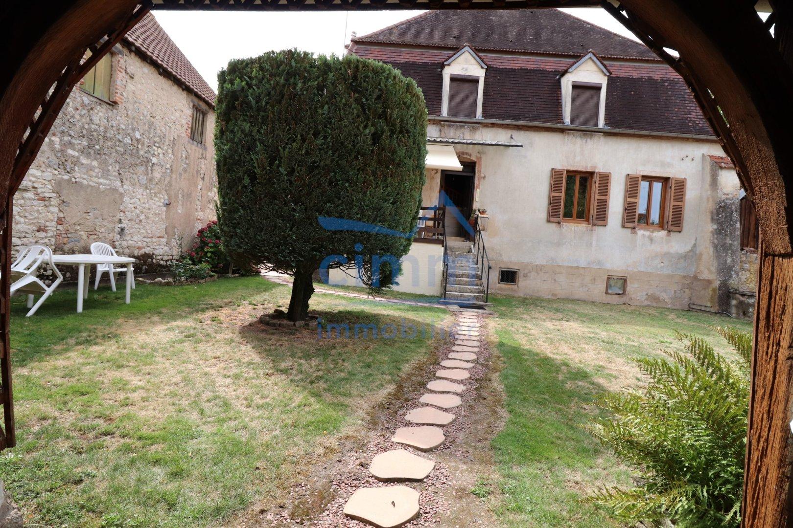 vente maison/villa 8 pièces PONTAILLER-SUR-SAONE 21270