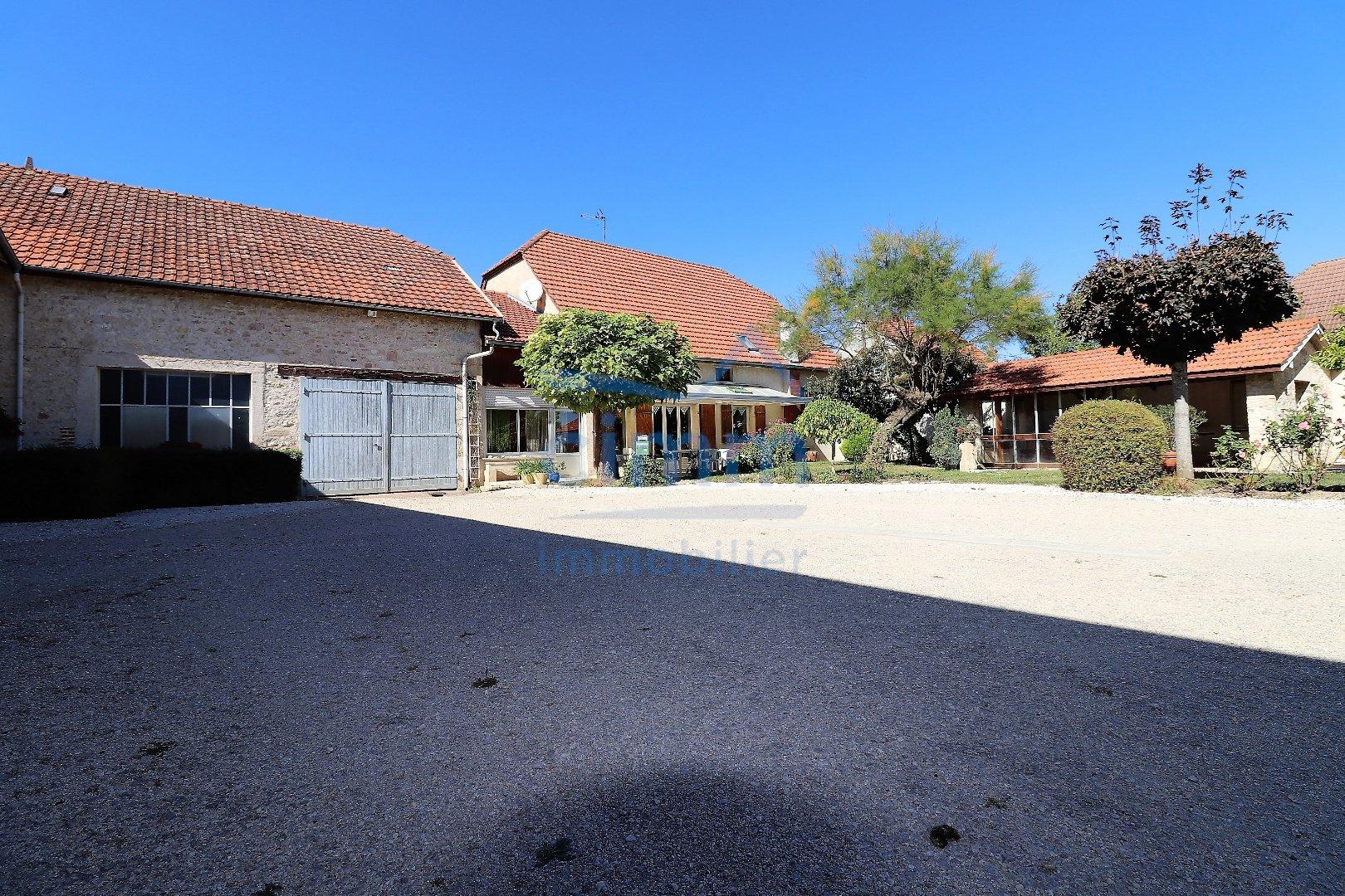 vente maison/villa 10 pièces MIREBEAU-SUR-BEZE 21310