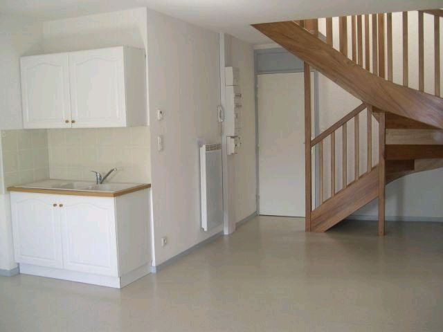 location appartement 3 pièces SAINT-RAMBERT-D'ALBON 26140