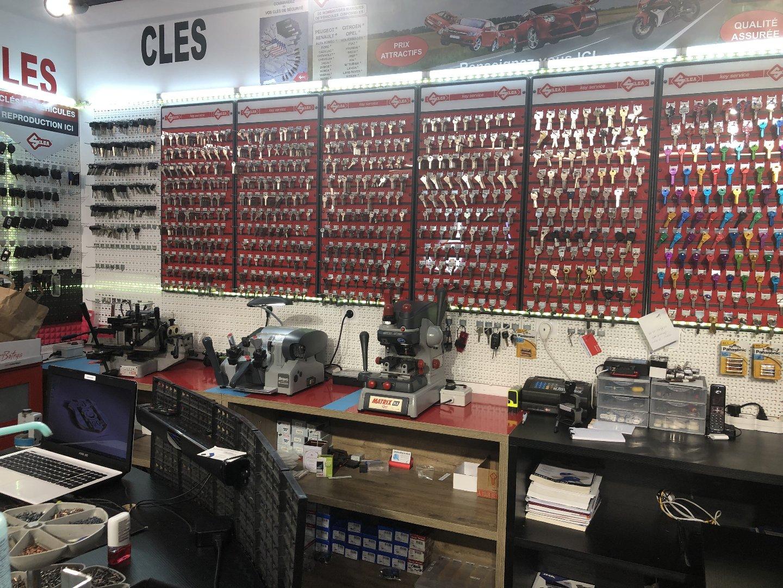 Chaussure - Cuir - Cordonnerie - Boutique et Magasin