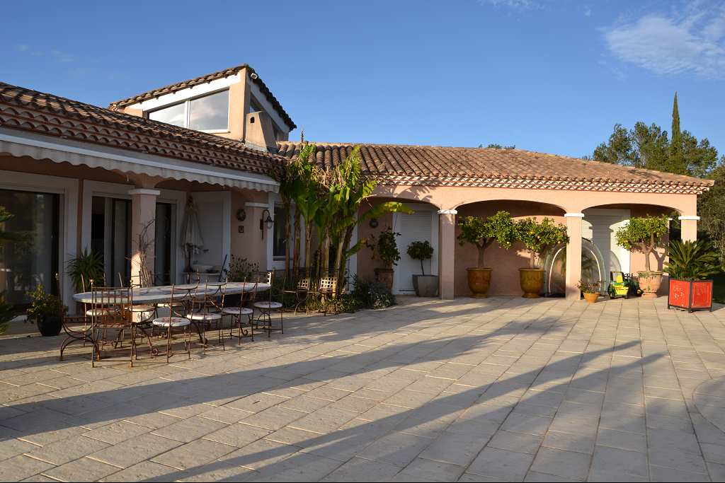 vente de prestige maison/villa 5 pièces NIMES 30000