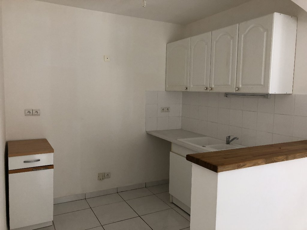 location appartement 2 pièces CAPESTANG 34310