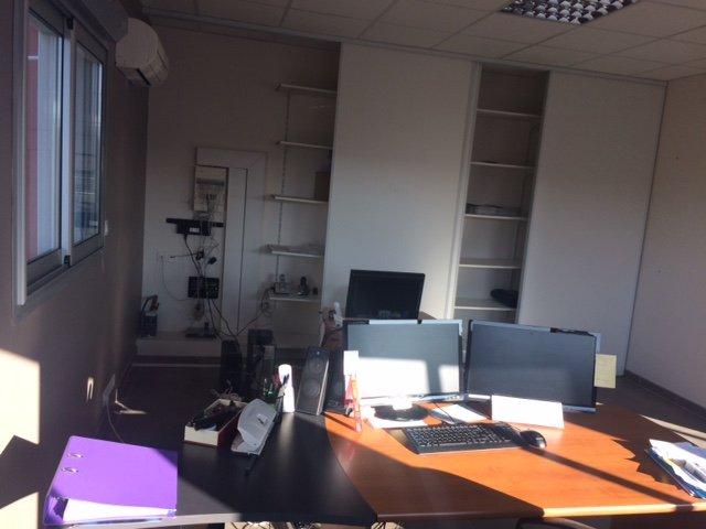 location bureaux 2 pièces SAINT CLEMENT DE RIVIERE 34980