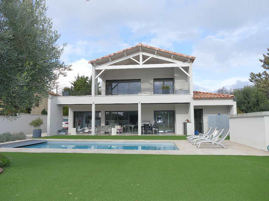 vente de prestige maison/villa 5 pièces BOUZIGUES 34140