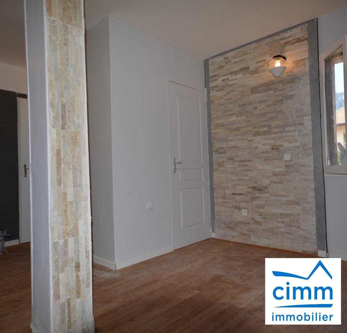 location appartement 1 pièces VOREPPE 38340