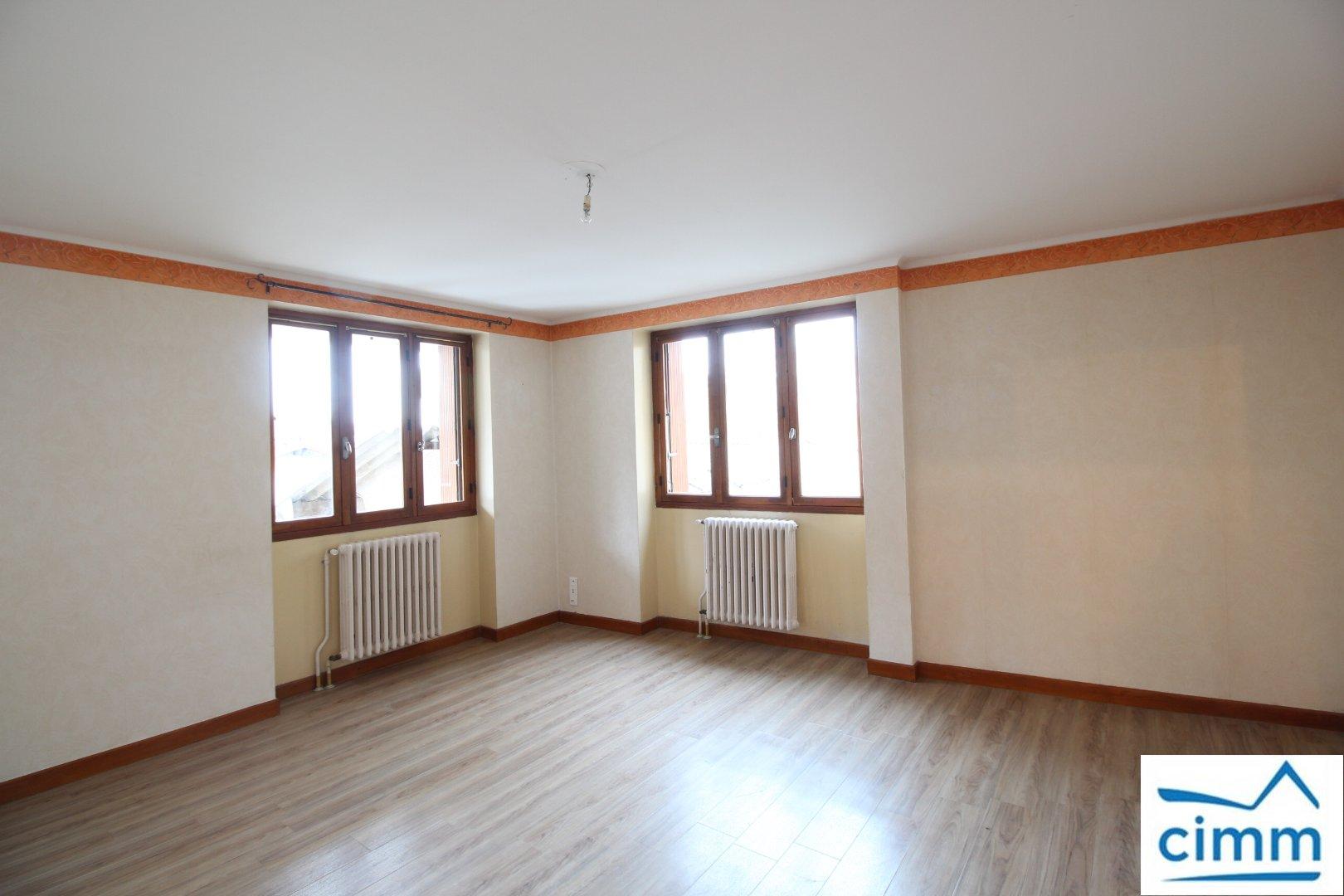 location appartement 5 pièces SAINT JEAN DE BOURNAY 38440