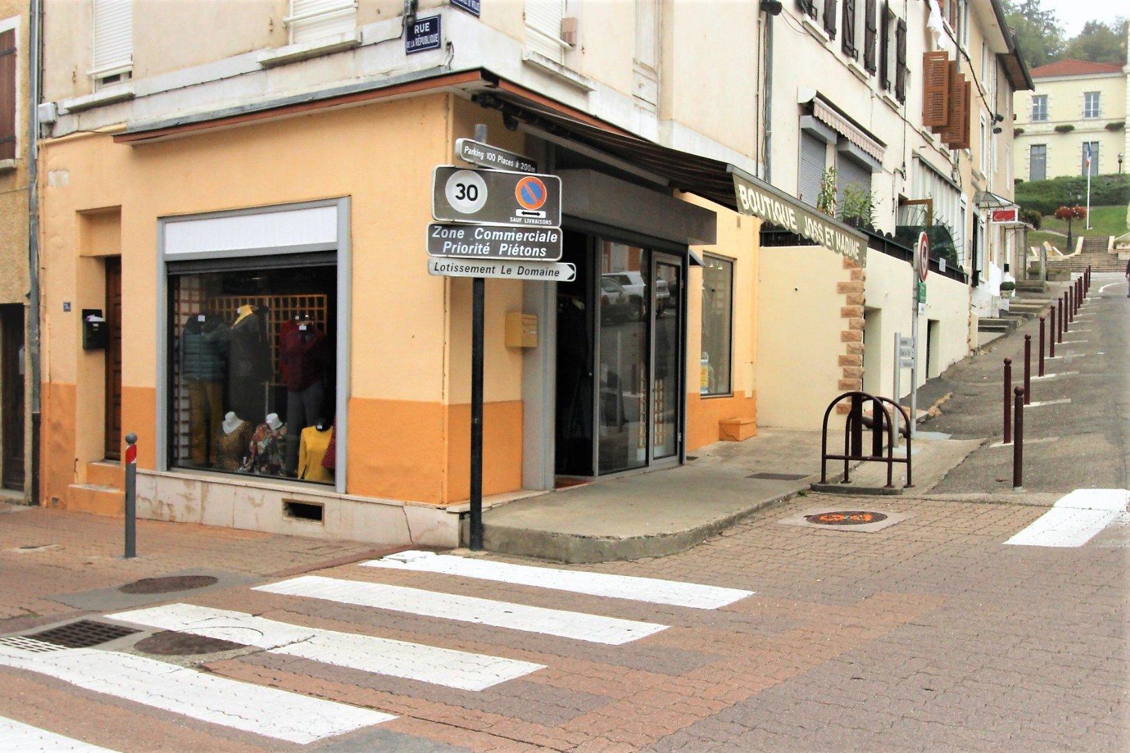 location local 1 pièces SAINT JEAN DE BOURNAY 38440