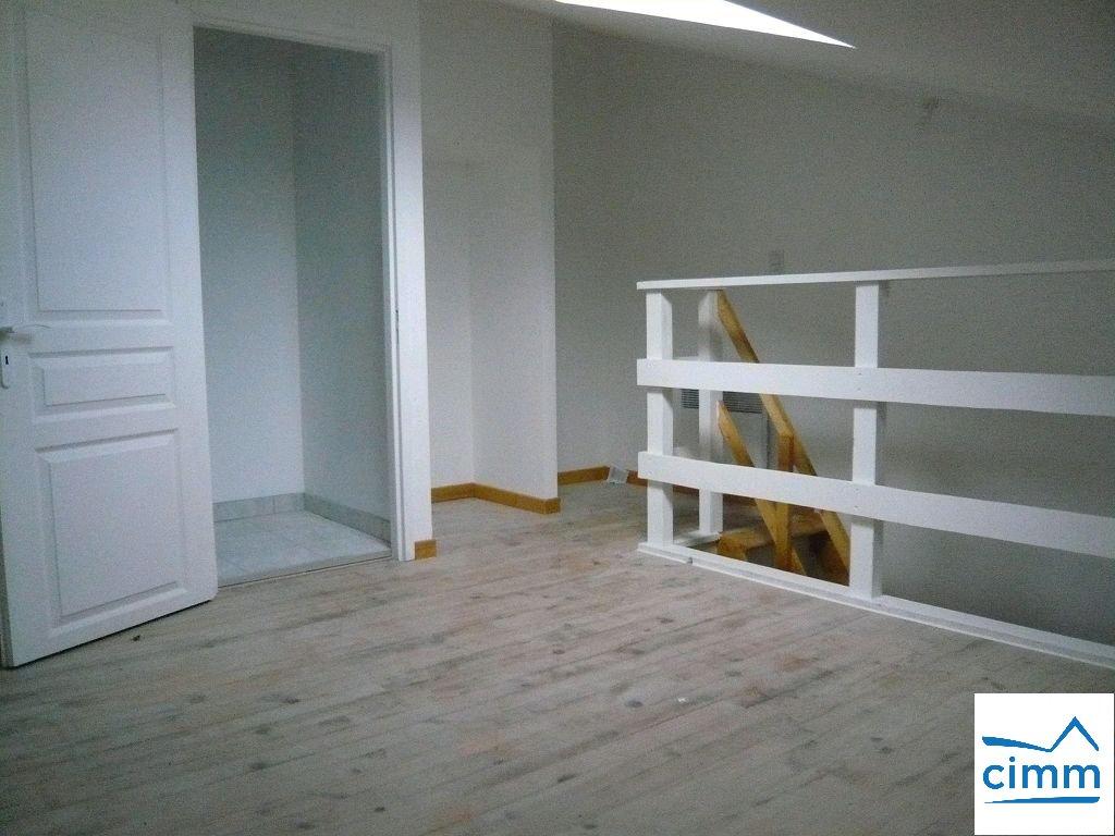 location appartement 1 pièces VIRIVILLE 38980