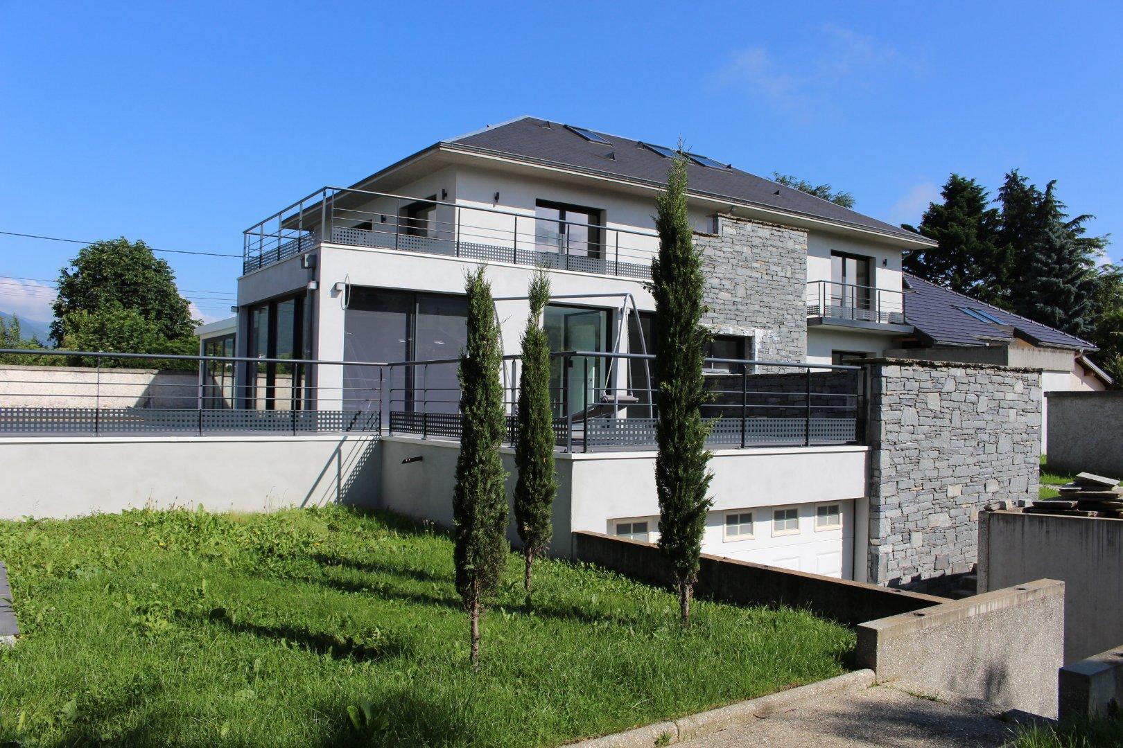 vente maison/villa 8 pièces PONTCHARRA 38530