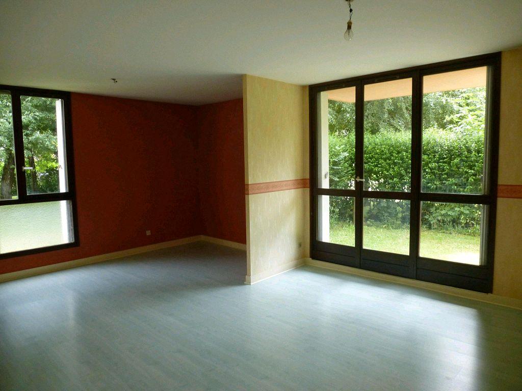 location appartement 4 pièces PONTCHARRA 38530