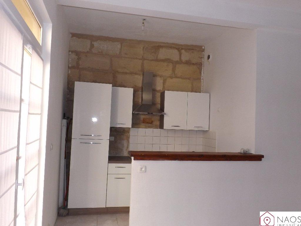 vente appartement 3 pièces BEAUCAIRE 30300
