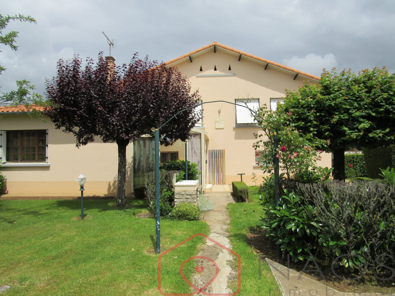 vente maison/villa 9 pièces LEZAY 79120