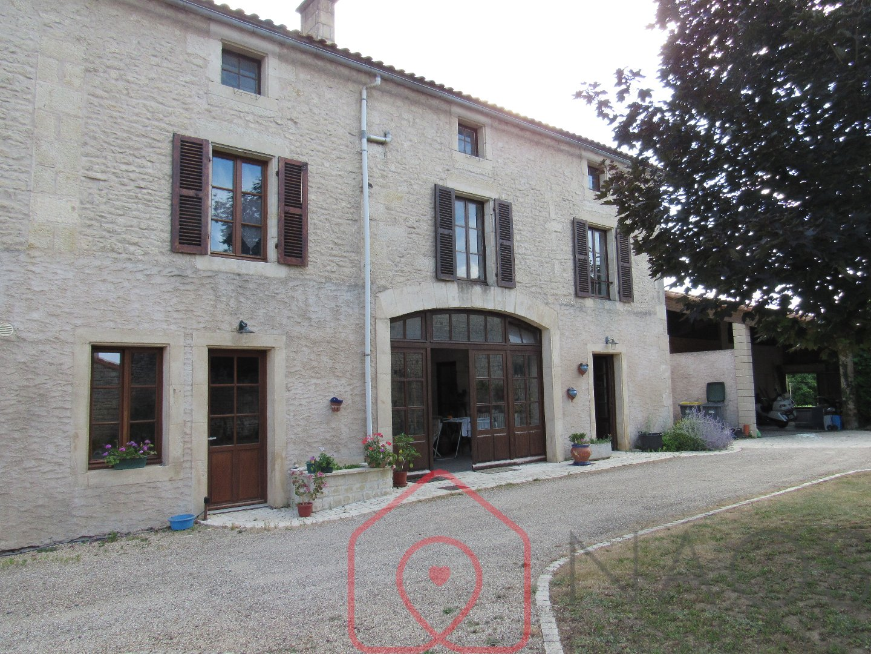 vente maison/villa 8 pièces LA CRECHE 79260