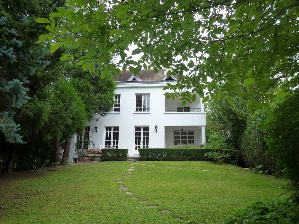 Acheter une maison chesnay for Acheter une maison dans le vaucluse
