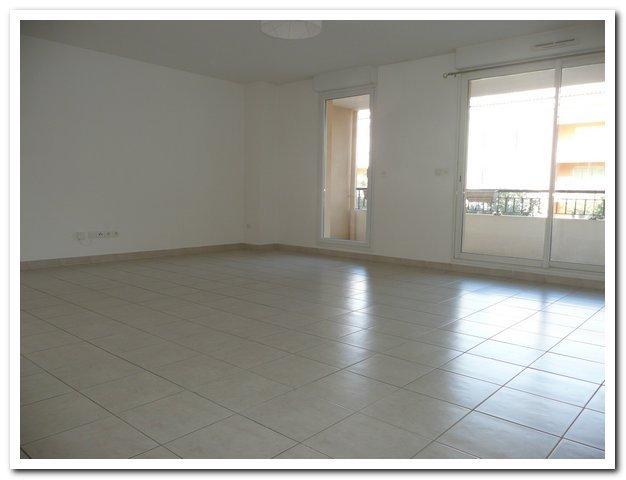 location appartement 3 pièces SIX-FOURS-LES-PLAGES 83140
