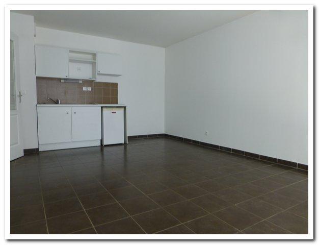 location appartement 3 pièces SEYNE-SUR-MER 83500