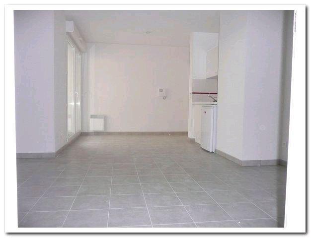 location appartement 2 pièces SEYNE-SUR-MER 83500